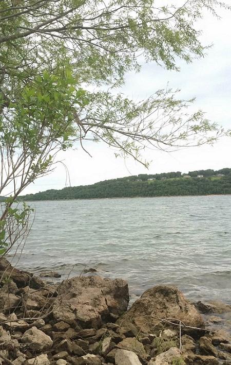 weekend-lake
