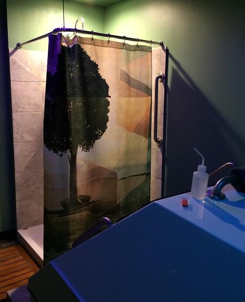 Theta float spa room