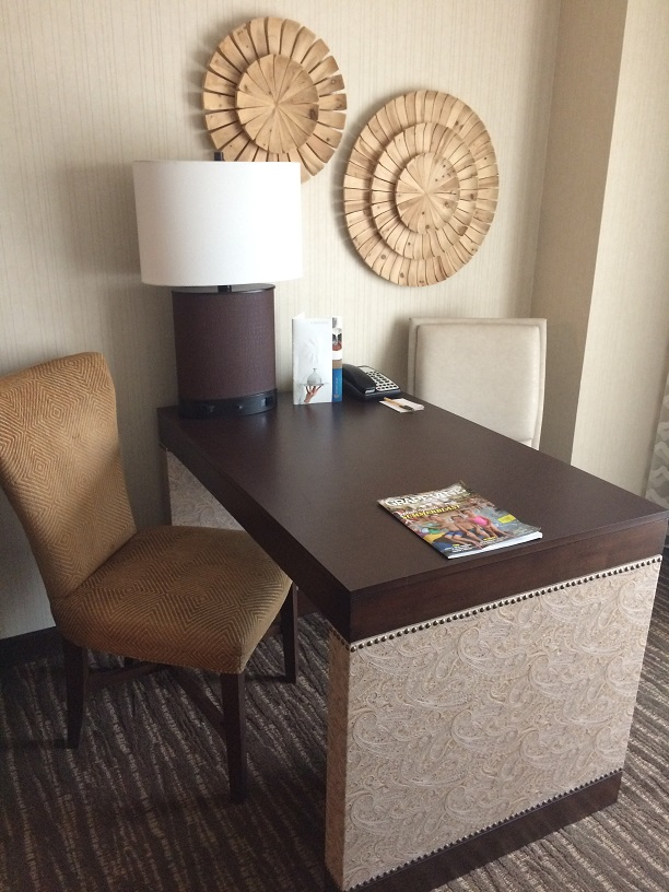 gaylord texan room work desk