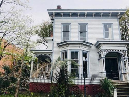 First, This Feels Like The Most Savannah Y House To Ever Exist, And B) I  Need To Live In It. (A Mere $3,200 Per Month!)