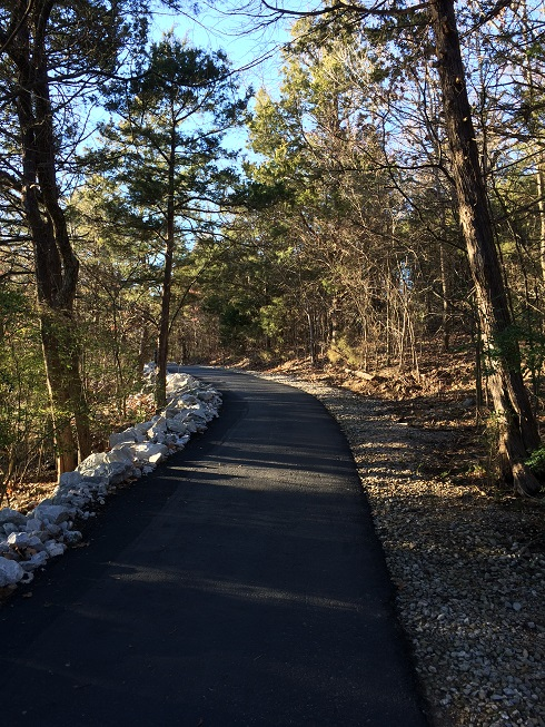 lakeside walking trail at dewey short visitor center